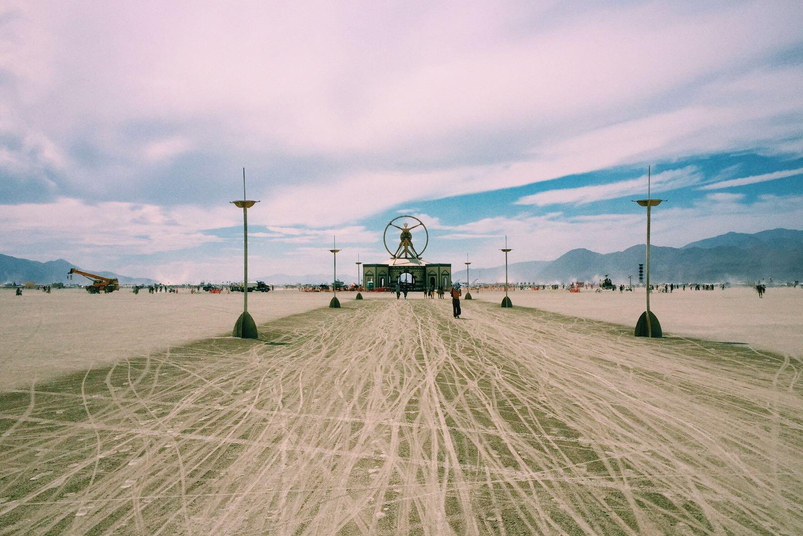 désert Burning Man statue roadtrip