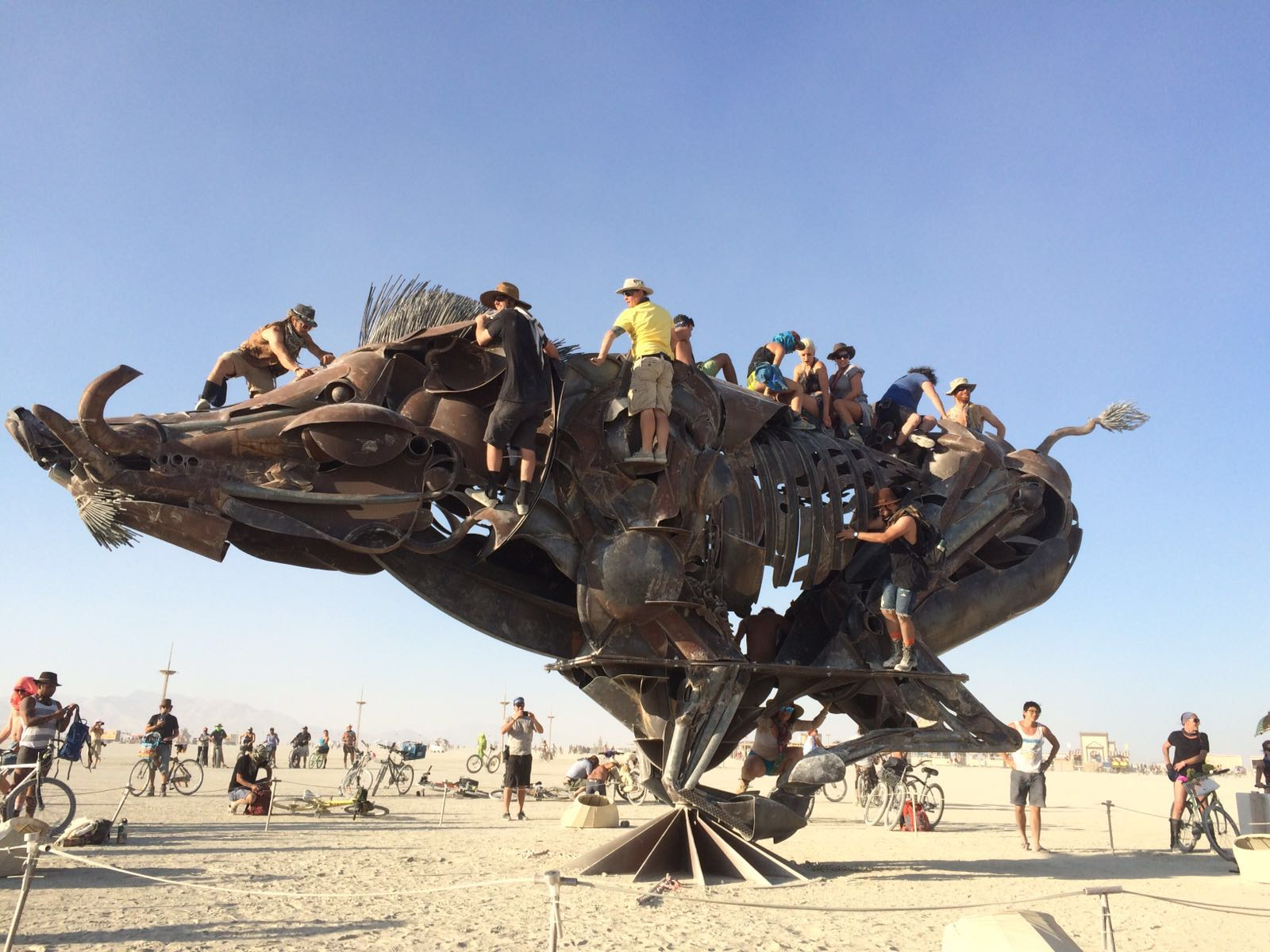 Burning Man art camping-car roadtrip