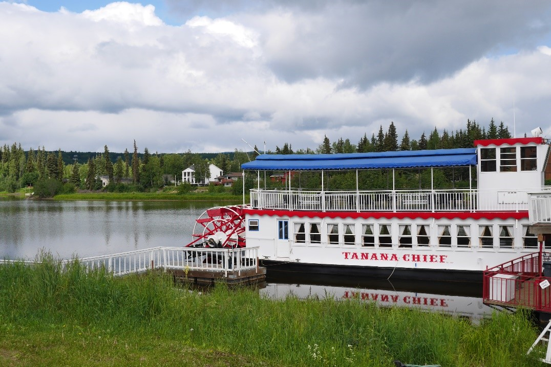 Rivière Tanana bateau
