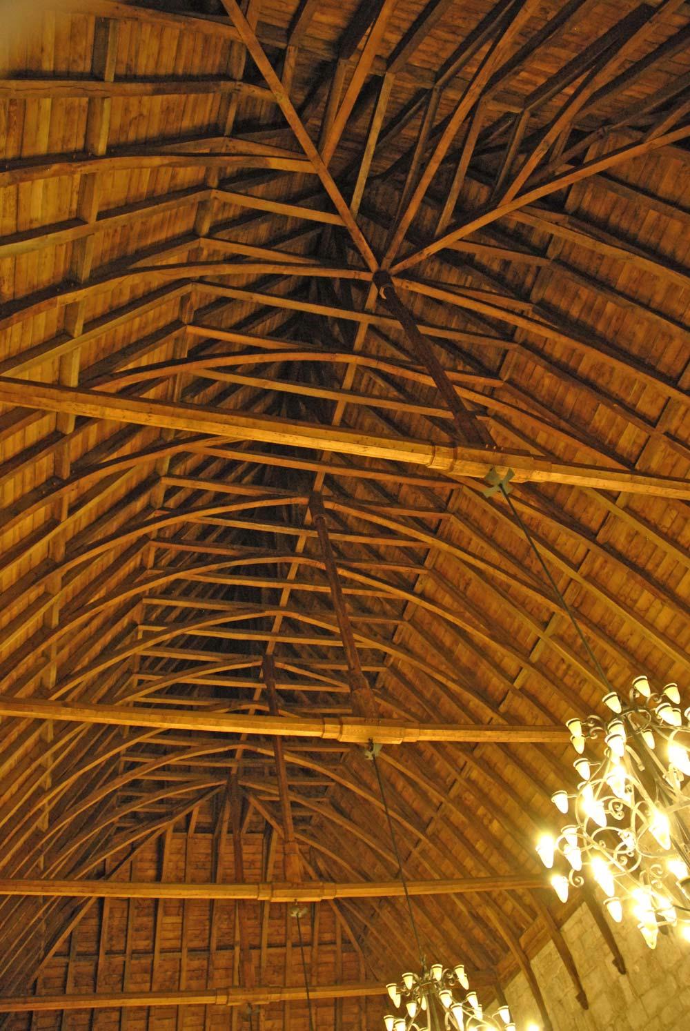 plafond charpente château guimaraes