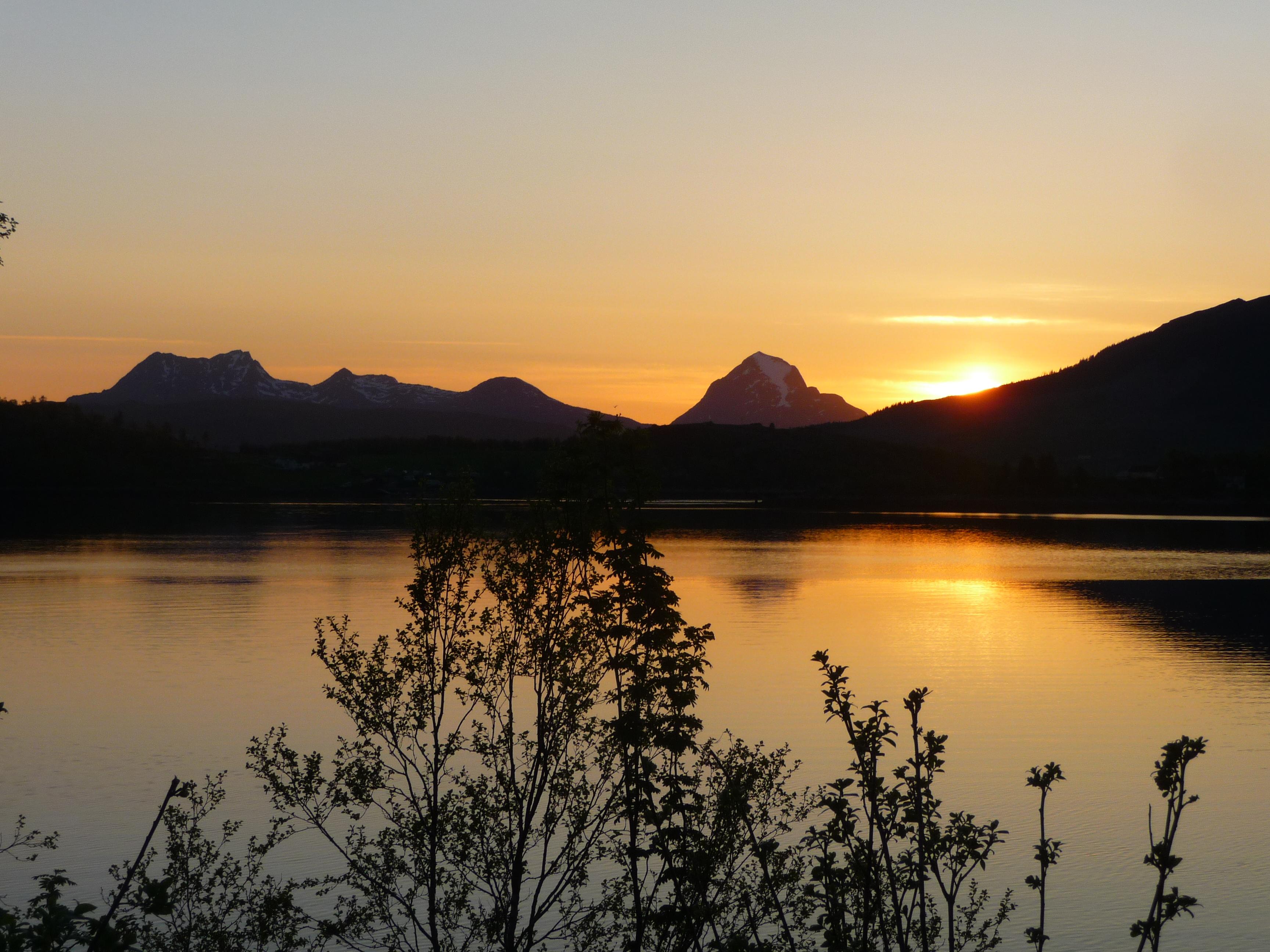 Coucher de soleil, route17, fjords norvégiens