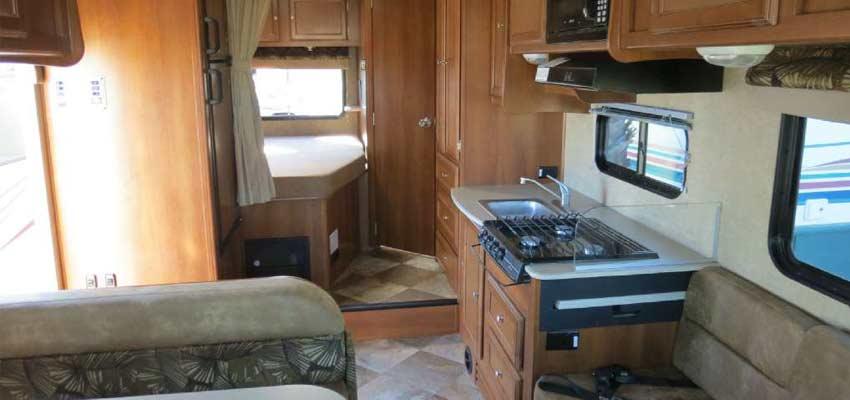 Campingcar_Motorhome-Economy-22-04.jpg