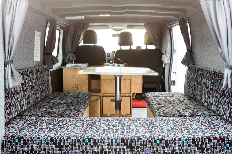 van aurora auto islande 3 personnes. Black Bedroom Furniture Sets. Home Design Ideas